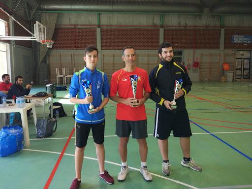 """Imagen ganadores no federados torneo de tenis de mesa """"FIestas del Barrio del Pilar"""""""